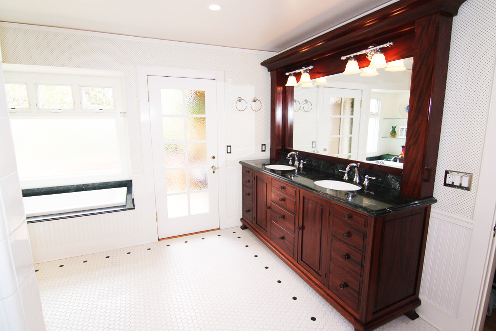 1917 casa master bath tub sink